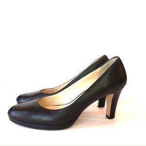 Cole Haan Black Leather Pump